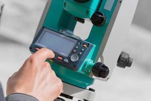misurazione del teodolite. foto