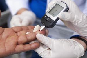misurazione della glicemia foto