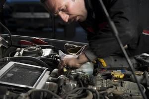 riparatore auto foto