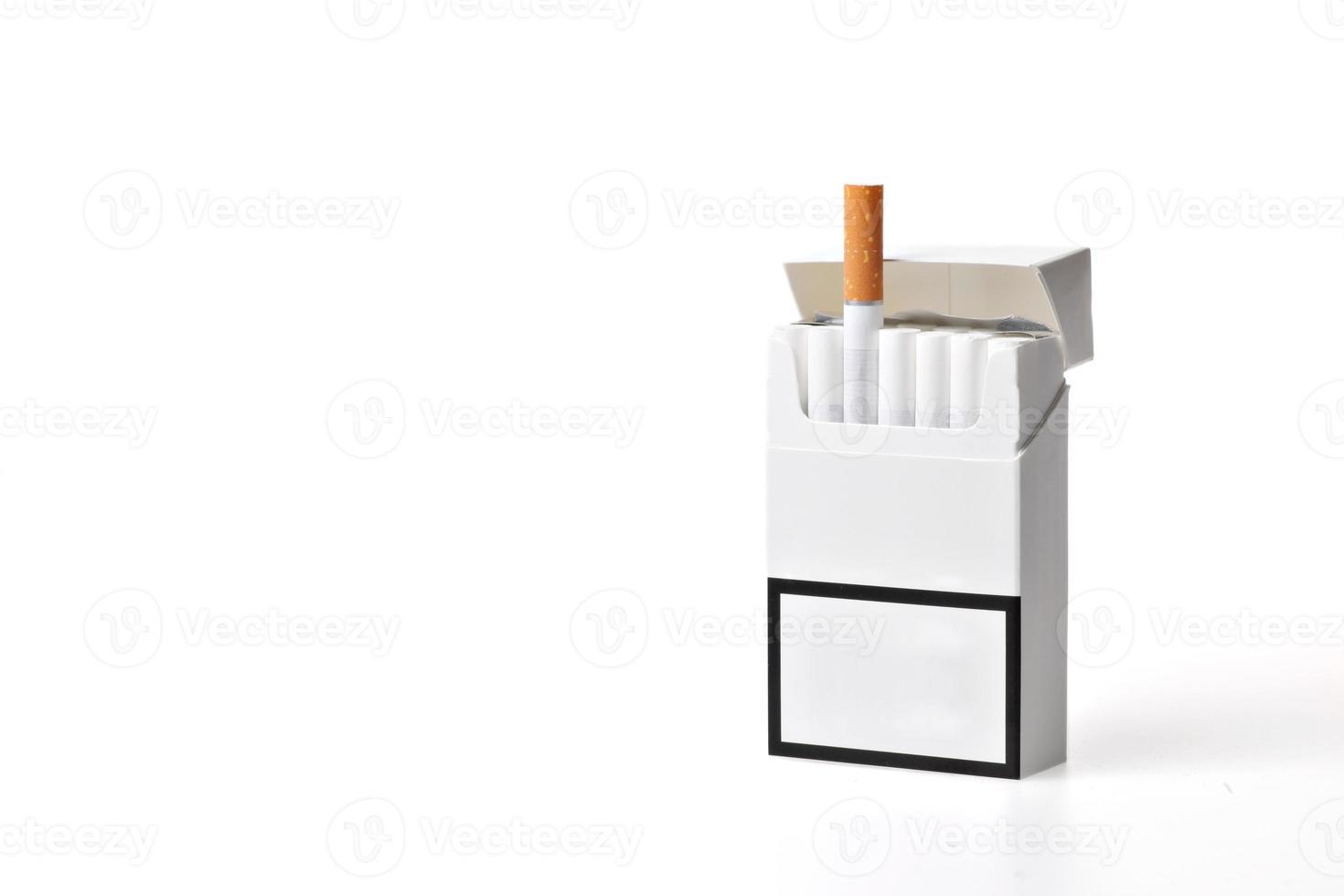 maço de cigarro foto