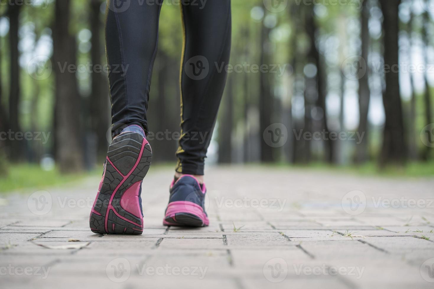corredor atleta pernas, treino exercício corredor ao ar livre corredor foto