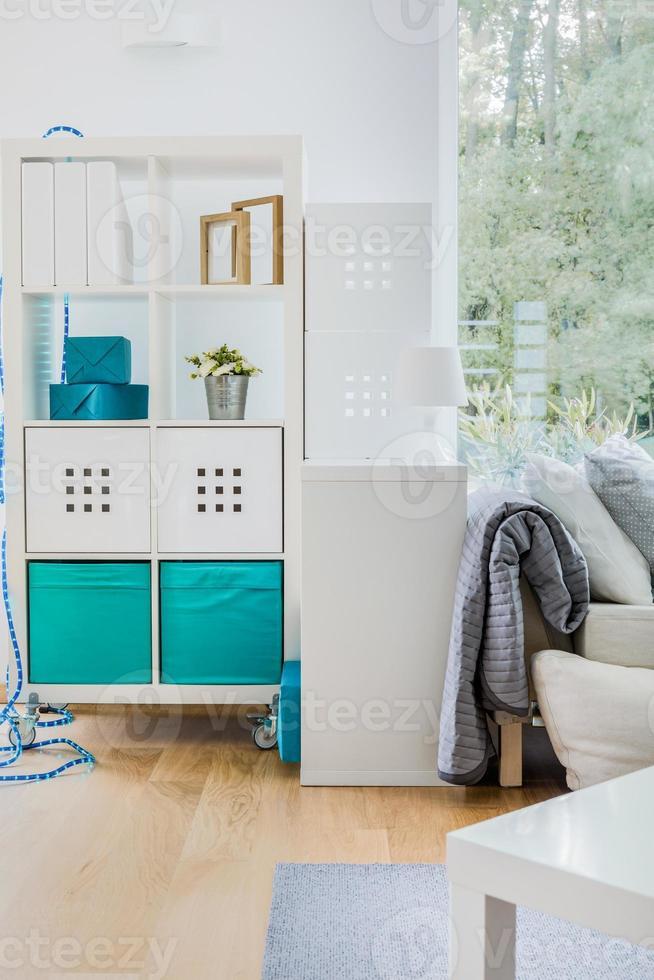 rack minimalista branco foto