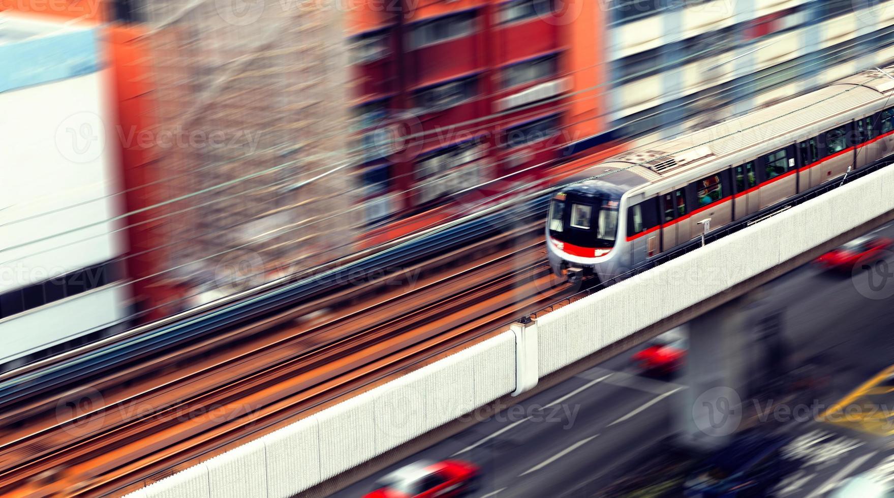 rotunda e tráfego ferroviário foto