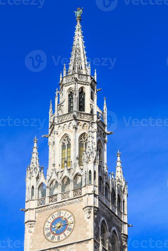 detalhes da fachada da prefeitura gótica de munique, baviera, alemanha foto
