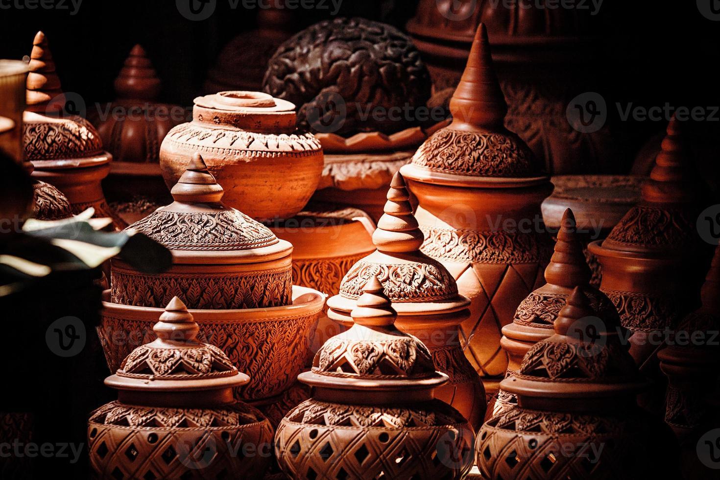 loja de cerâmica no mercado foto