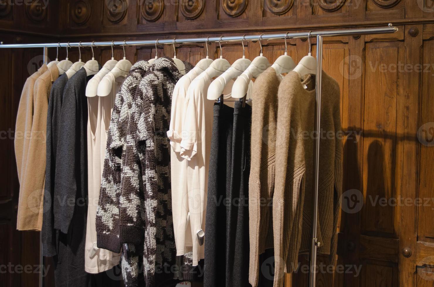 loja de roupas femininas foto