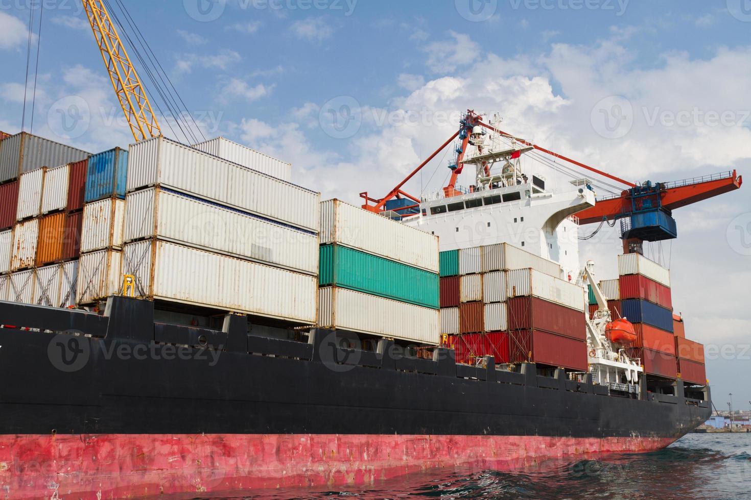 navio porta-contentores foto
