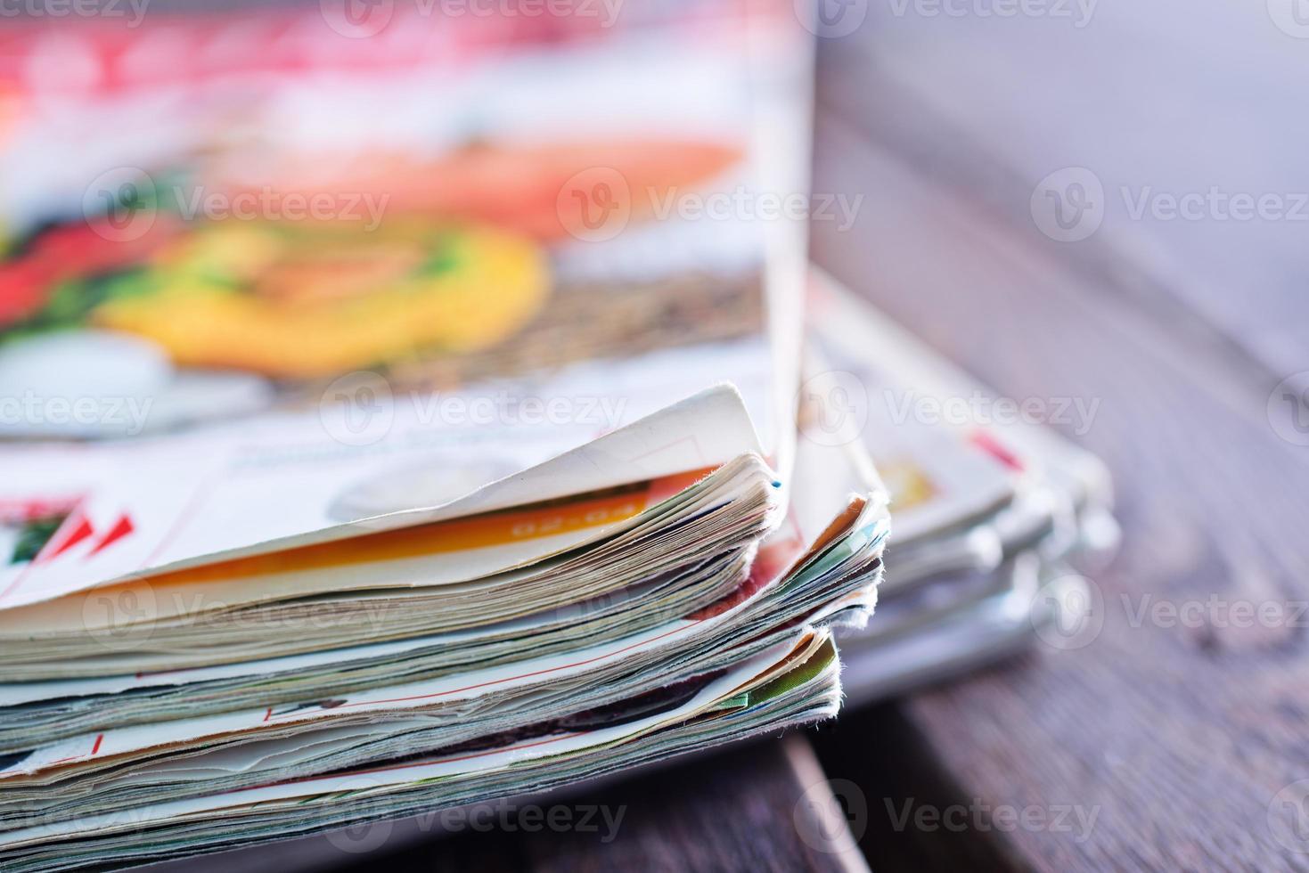pilha de revistas foto