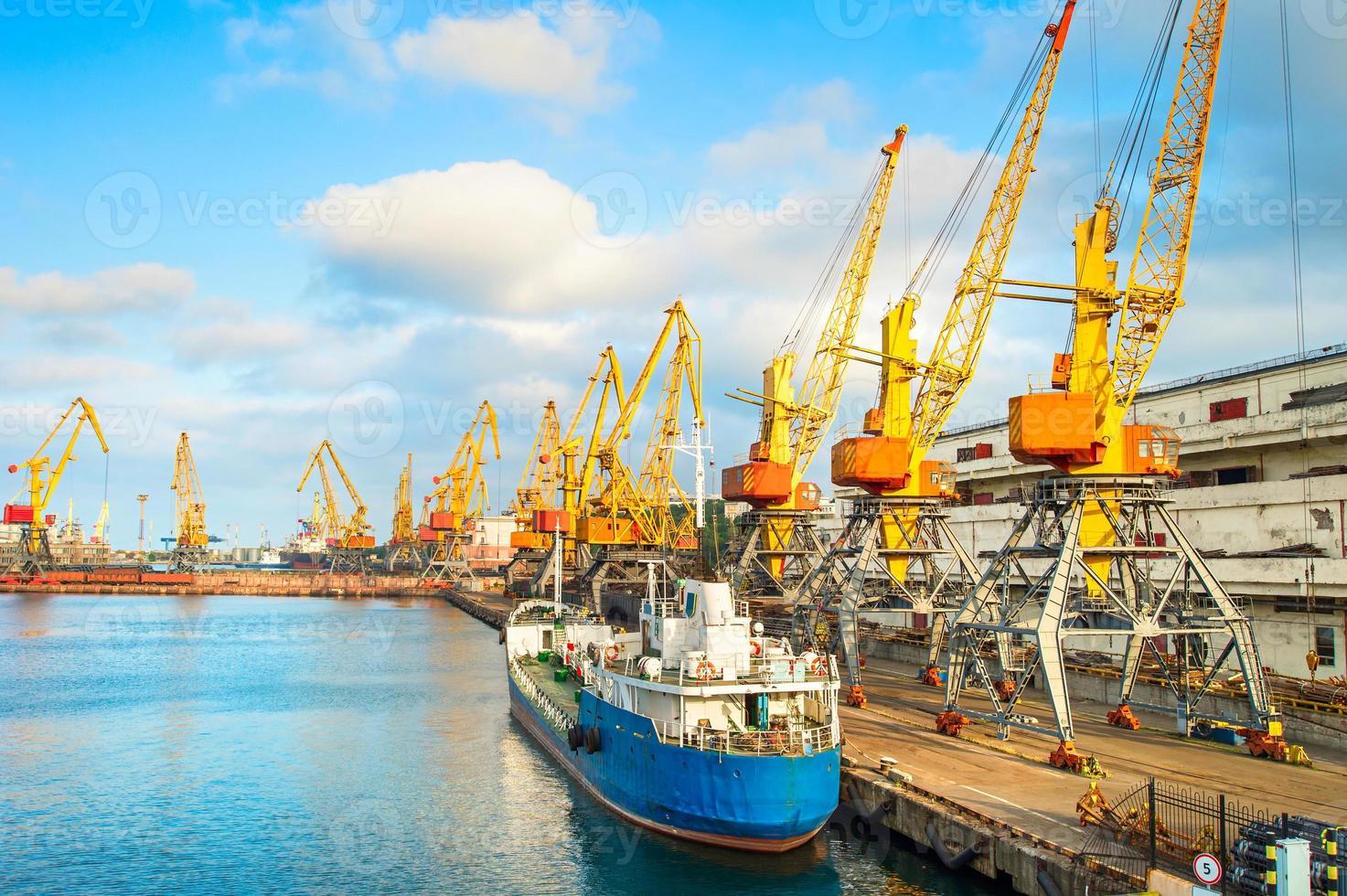porto comercial de odessa, ucrânia foto