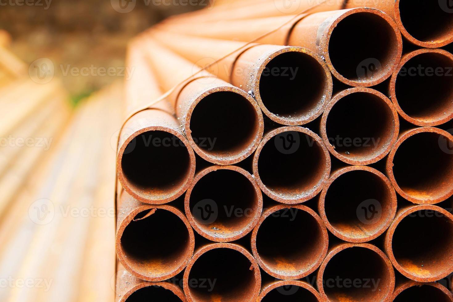 pilha de tubos de aço foto