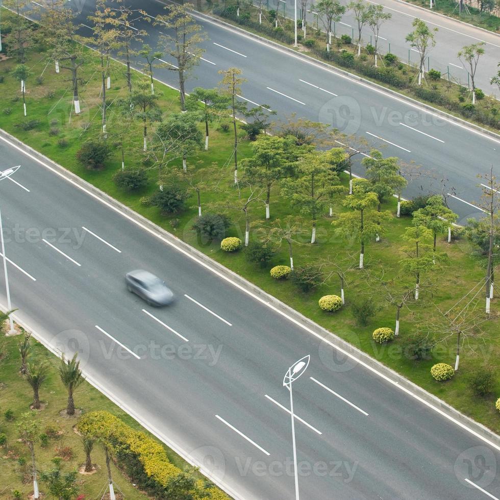 carros na estrada foto