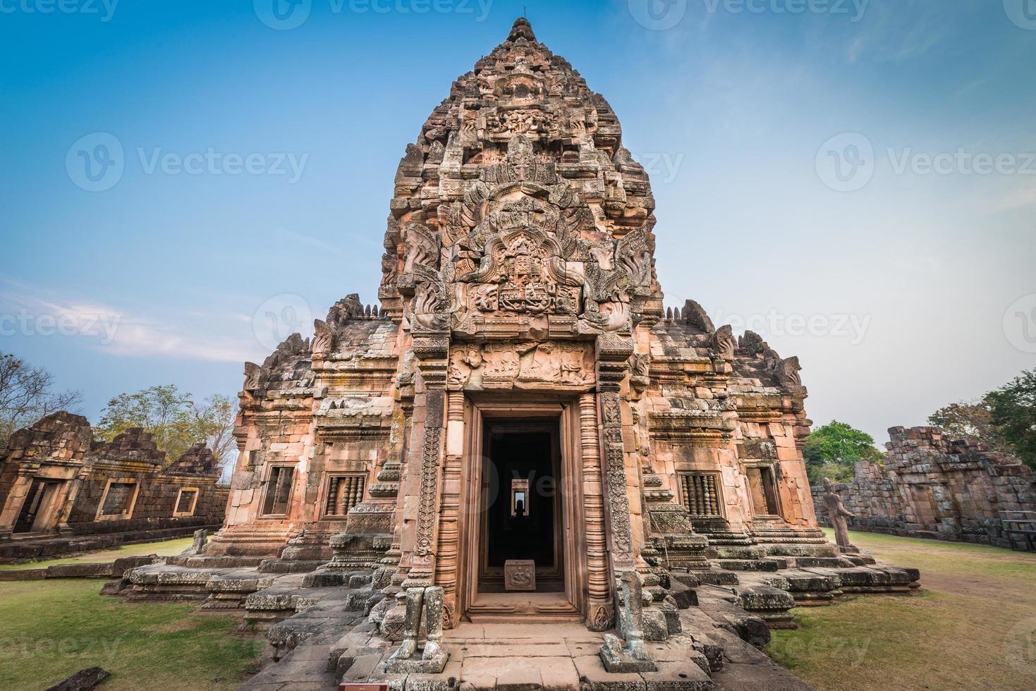 parque histórico de phanom rung castle na Tailândia foto
