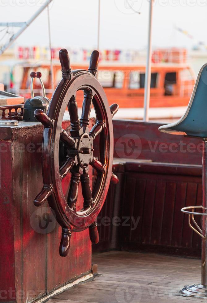 roda do navio foto