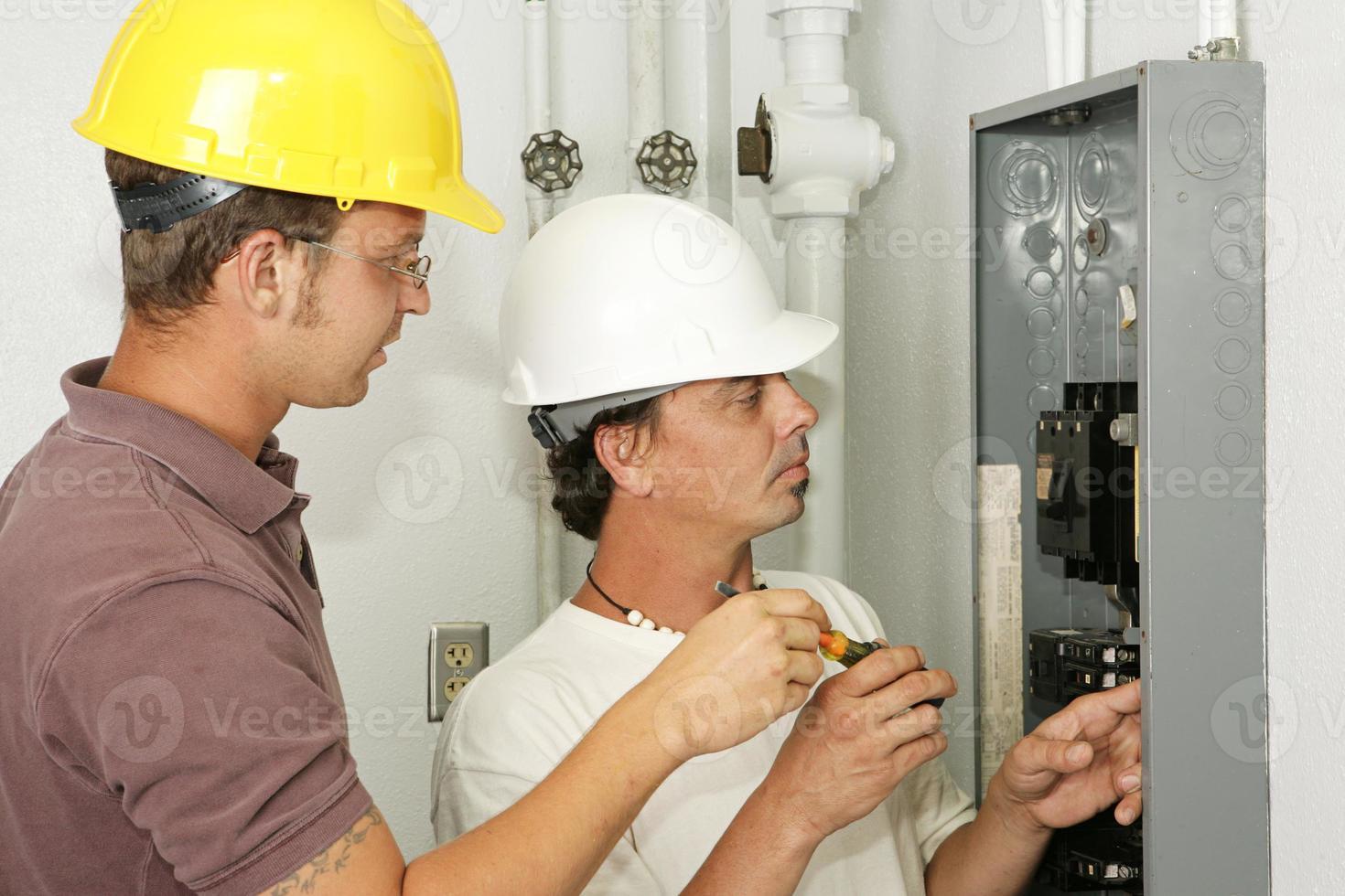 painel de fiação de eletricistas foto