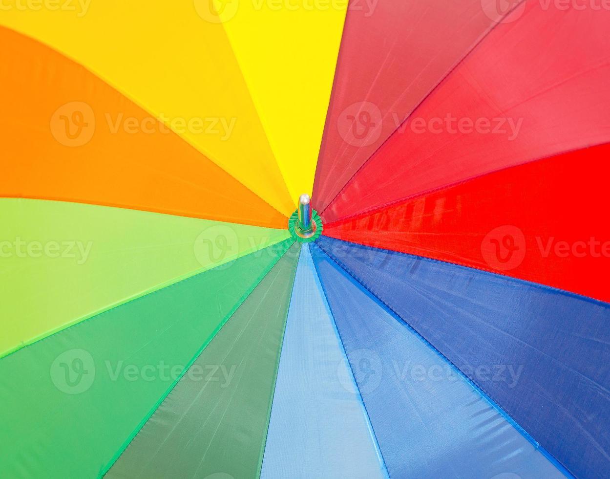 close-up vista do guarda-chuva colorida. foto