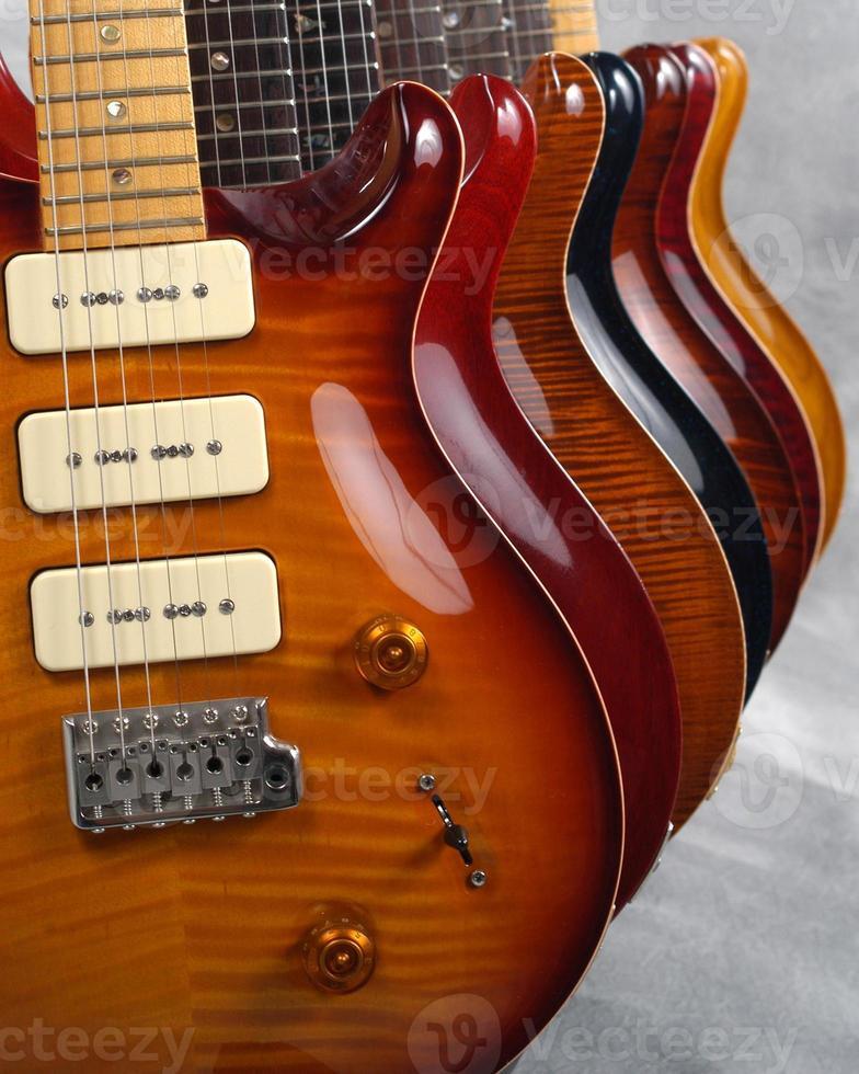 guitarras em perspectiva (detalhe) foto