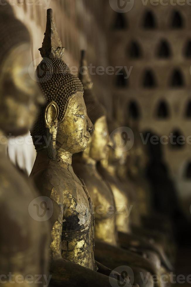 rosto de Buda em estilo lao tradicional foto