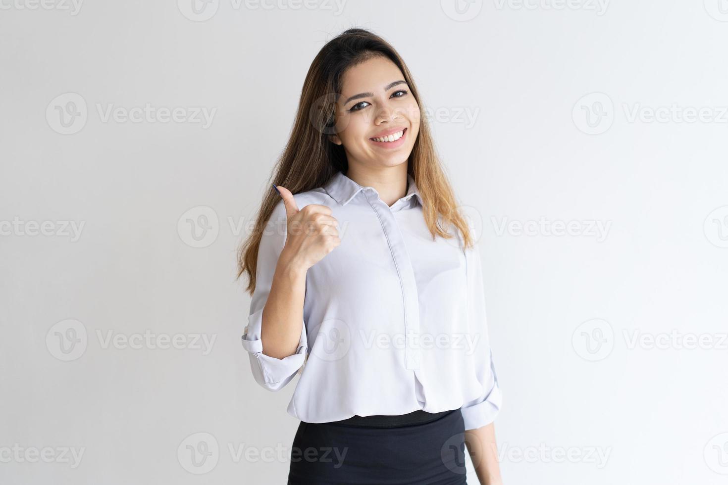cliente feliz aprovando produto ou serviço foto