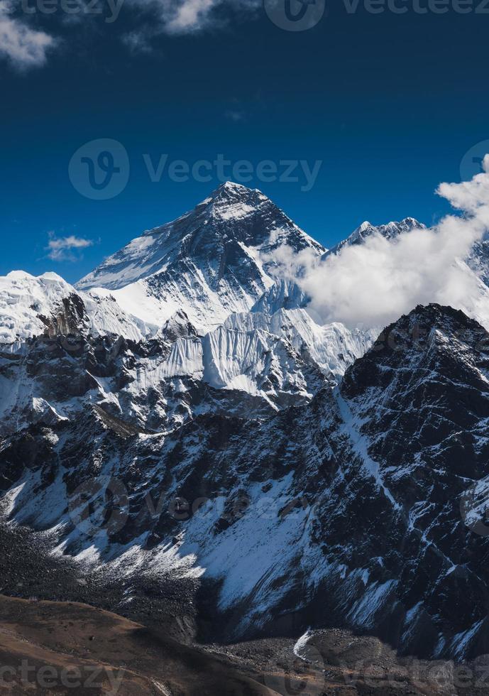 pico da montanha everest ou chomolungma foto