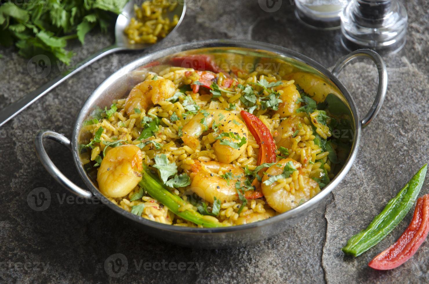 caril de camarão indiano foto