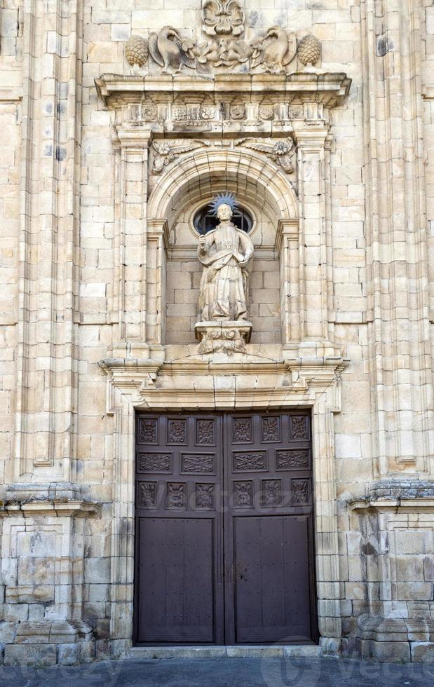 fachada de São Nicolau em villafranca del bierzo. foto