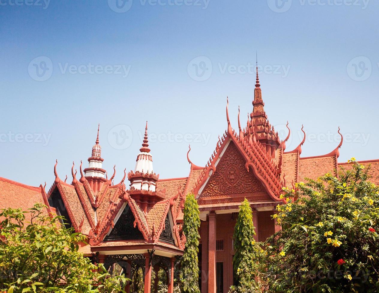 o museu nacional do camboja (sala rachana) phnom penh, cambo foto