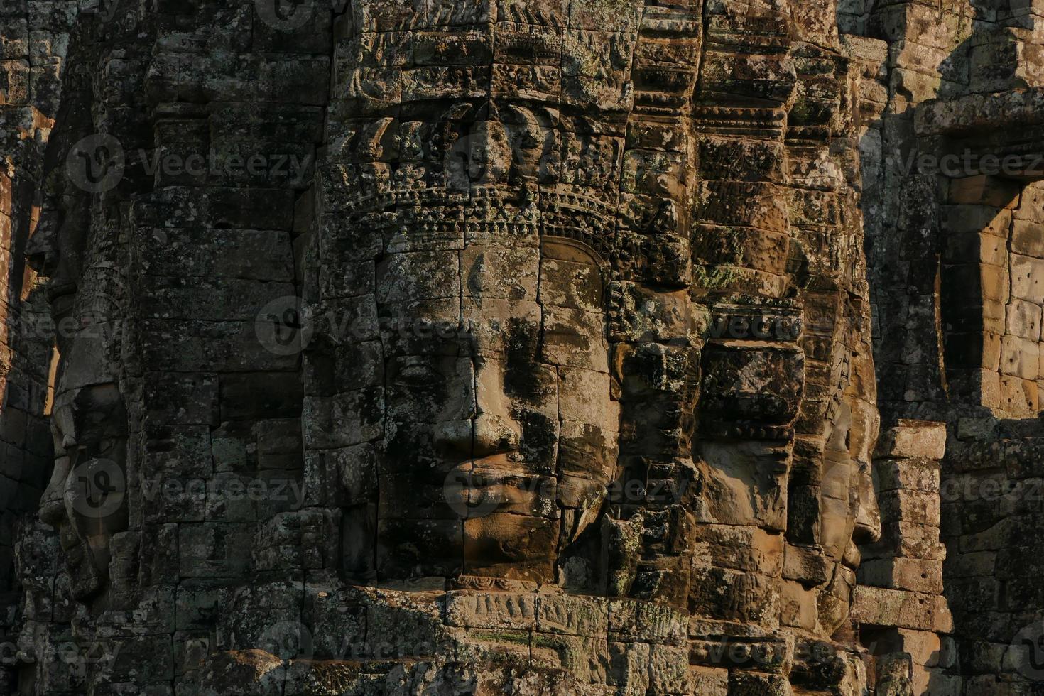 Templo Bayon de Angkor Thom no Camboja foto