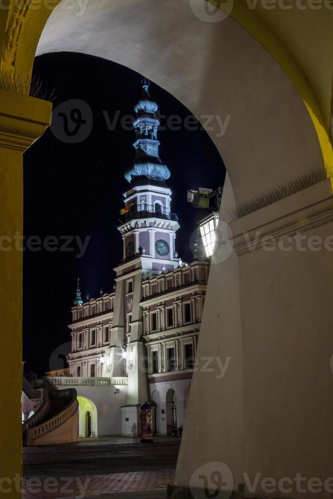 Zamosc à noite - Polônia. foto