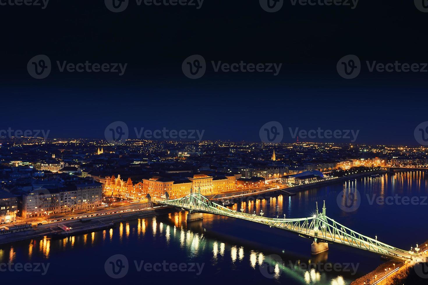 Budapeste à noite foto