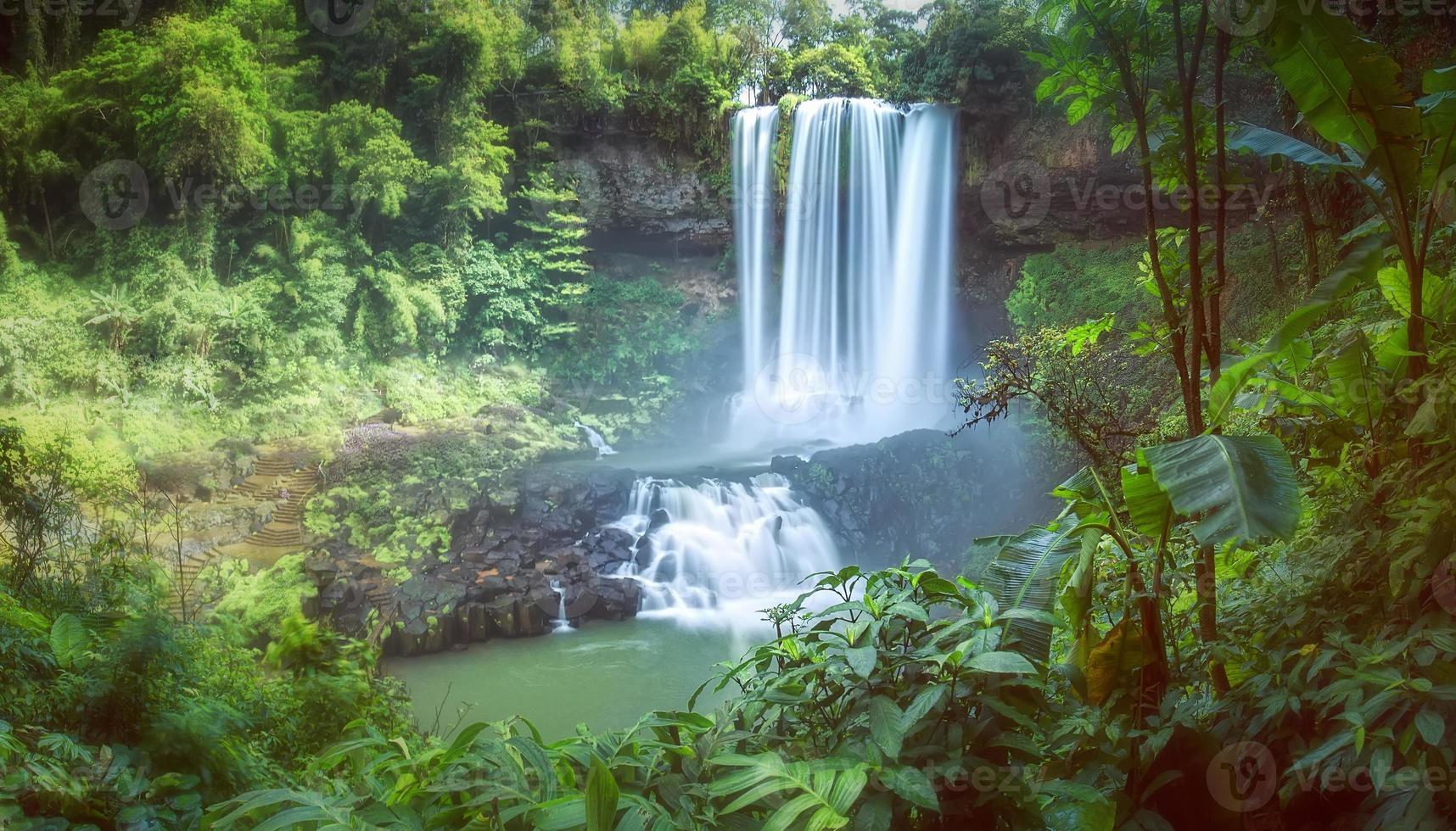 cachoeira no verão dam'bri foto