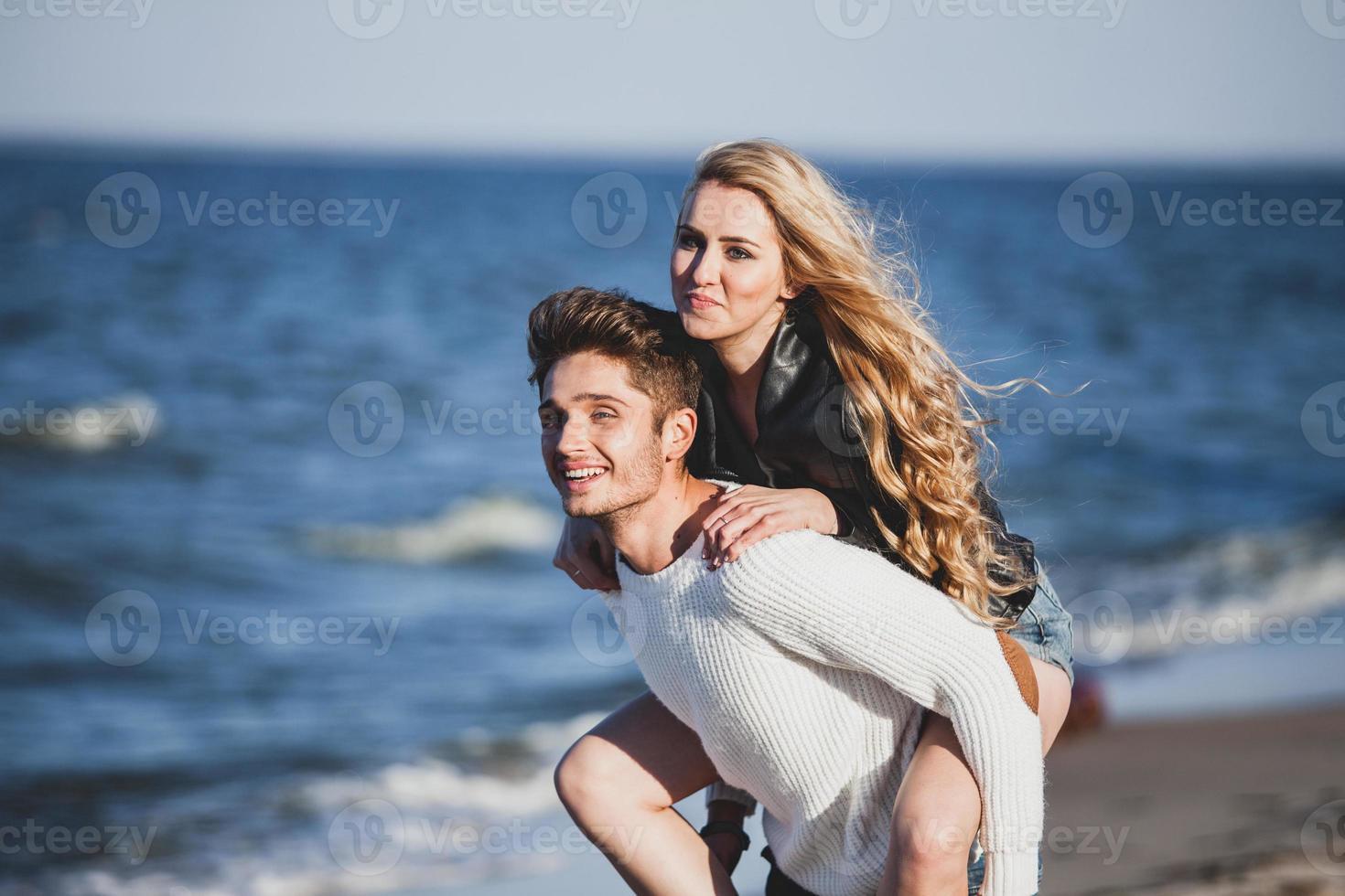 casal feliz foto