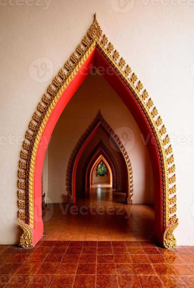 arco do templo na Tailândia foto
