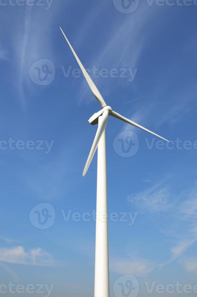 turbina eólica em retrato foto
