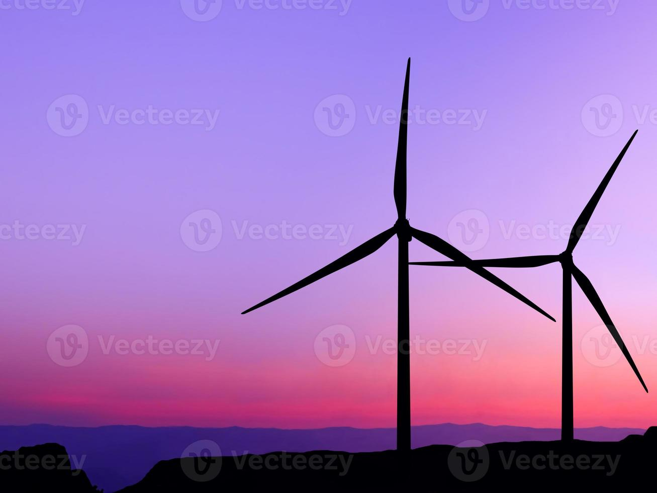 silhueta da turbina eólica foto