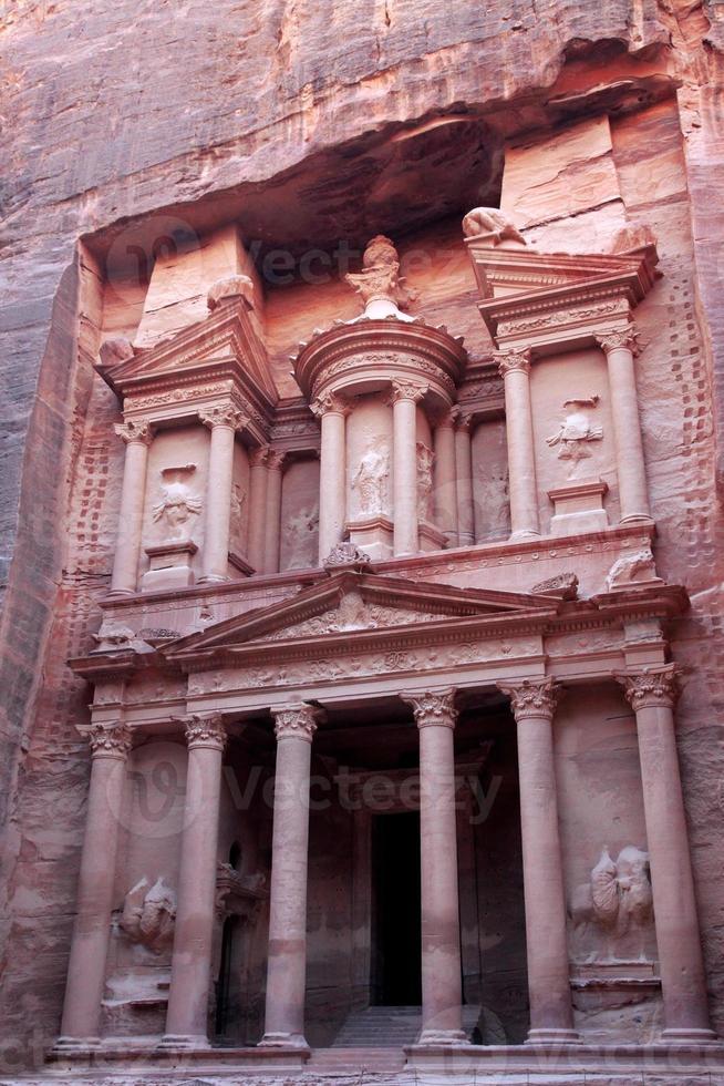 al khazneh, o tesouro da antiga cidade de petra, na Jordânia foto