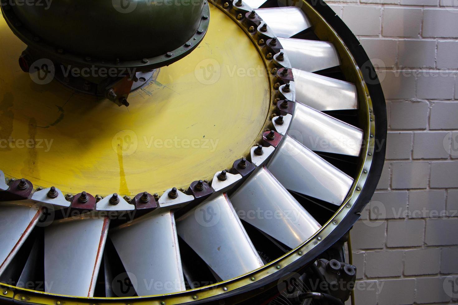 peças mecânicas do antigo motor de turbina foto