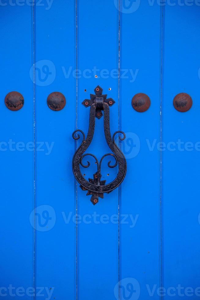 velha porta marroquina de Essaouira foto