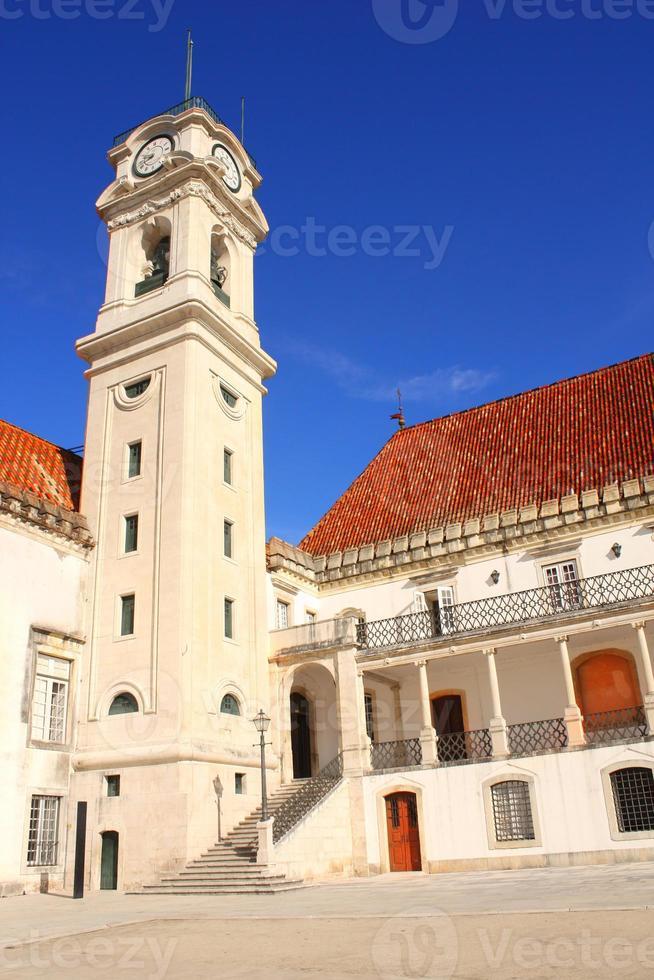 fasade da universidade de coimbra, portugal foto