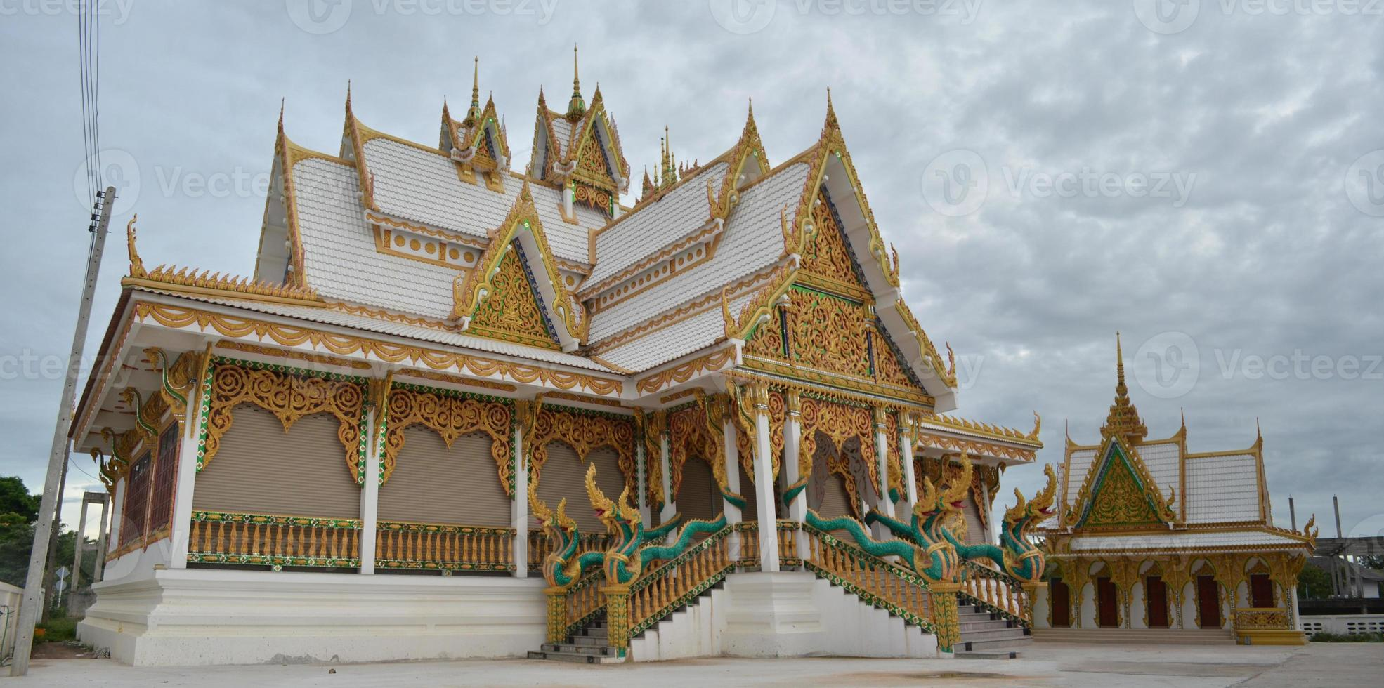 grande templo dourado da tailândia foto