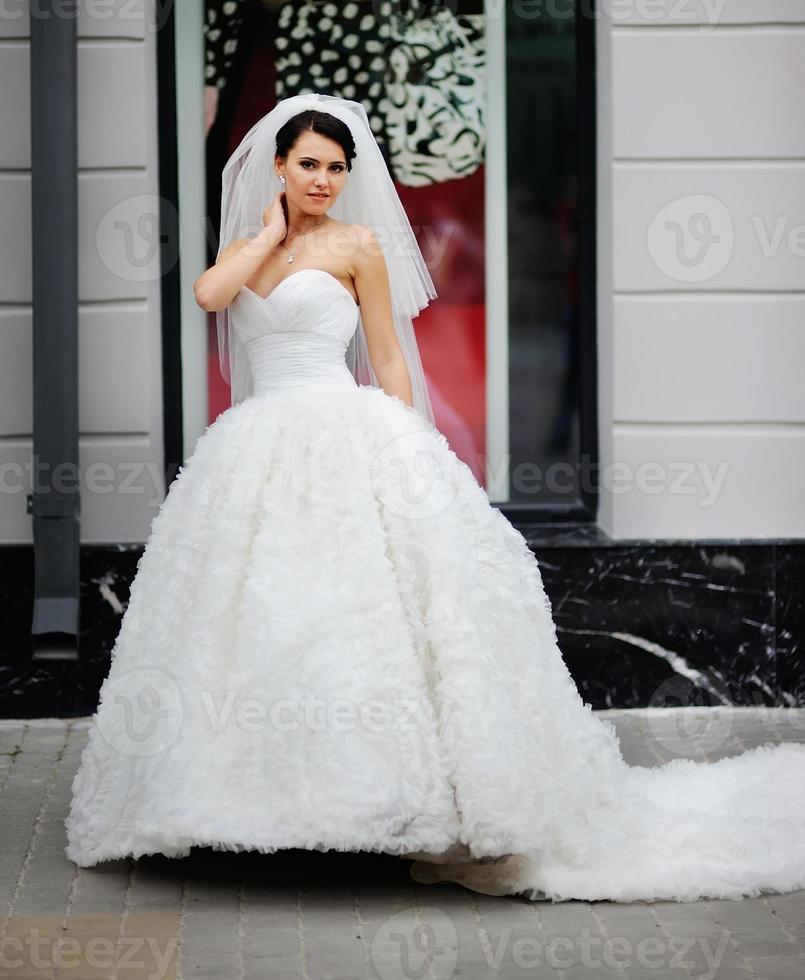 jovem noiva linda morena. foto