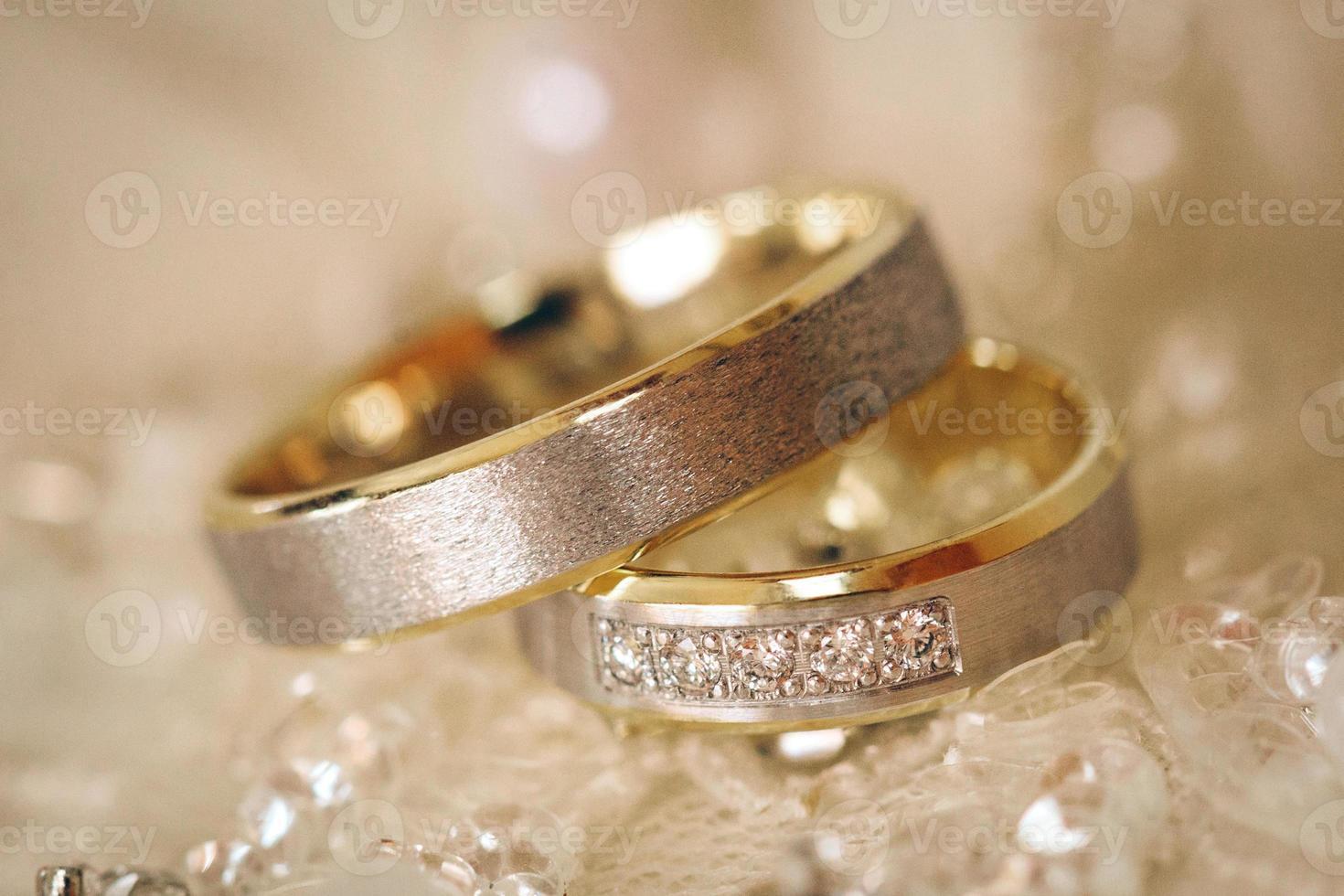 alianças de casamento. dof raso foto