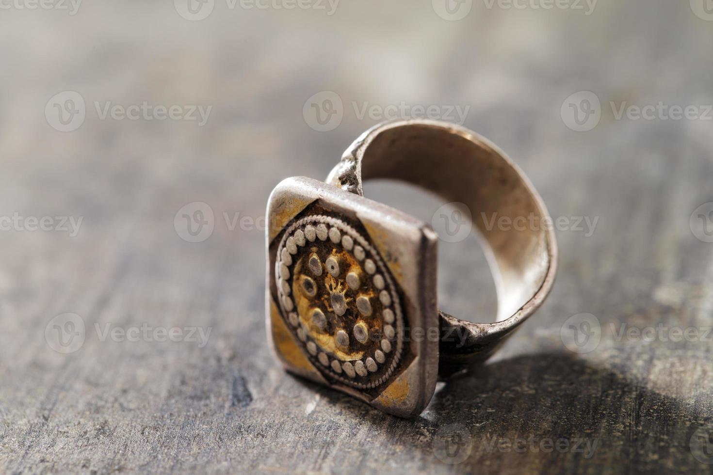 joias de prata tradicionais do sul da península arábica foto