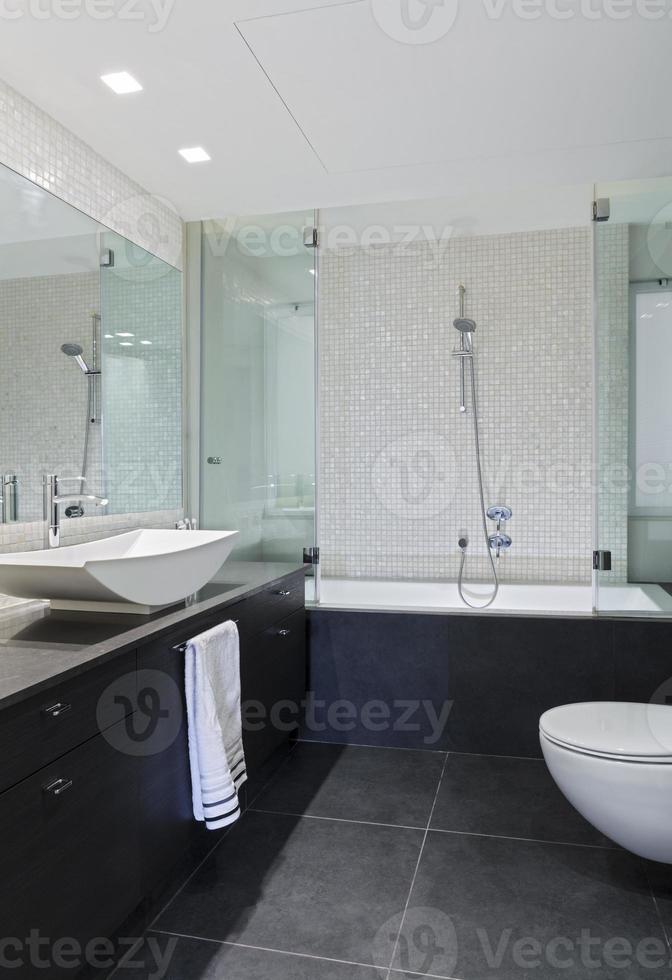 banheiro moderno foto