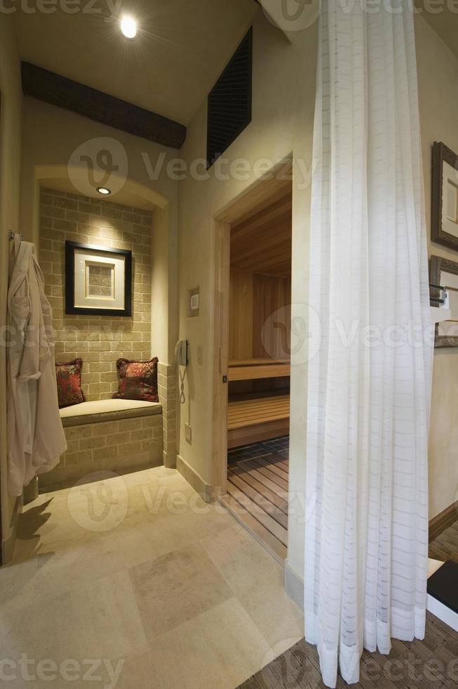 sauna com cortinas e sauna a vapor foto