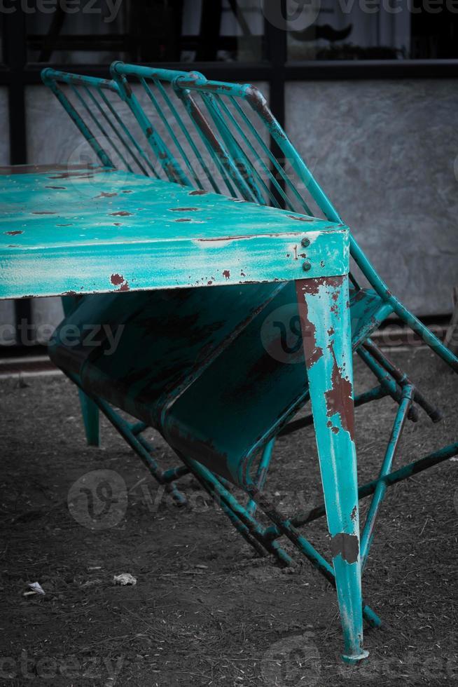 mesa e cadeira vintage foto