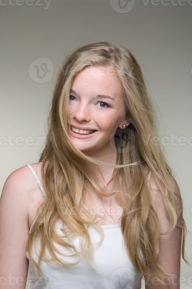 adolescente sorrindo foto