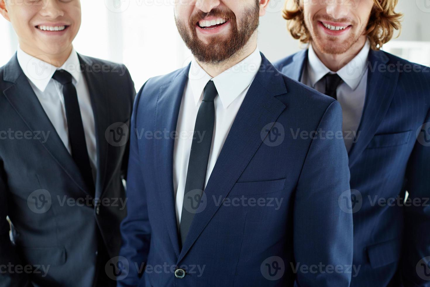 empresários sorridentes foto