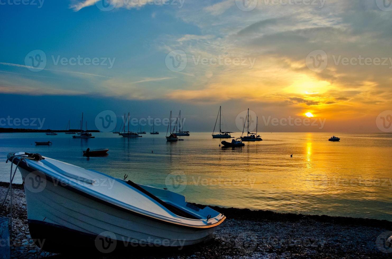 tramonto sul molo foto