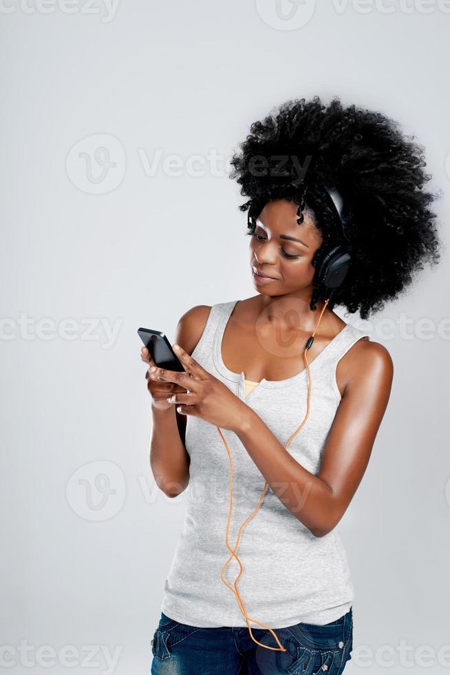 ouvindo suas canções favoritas foto