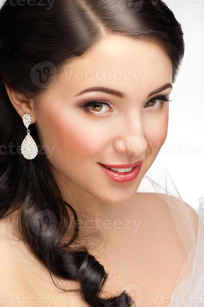 mulher bonita com linda maquiagem foto
